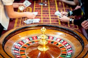 宝くじ・競馬・パチンコなどのギャンブルは投資対象になるか?期待値から検証