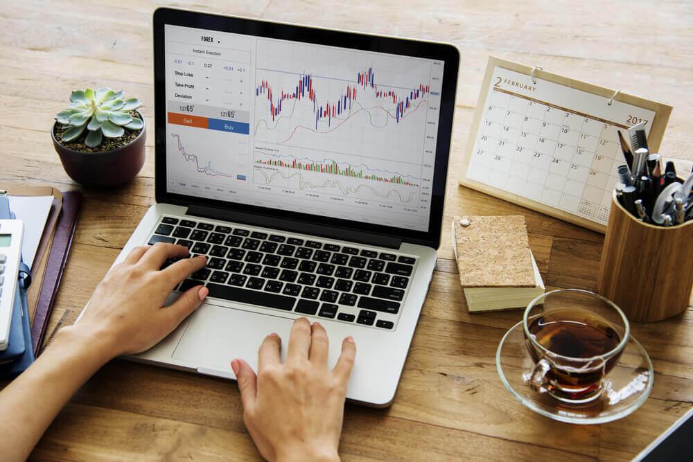 株トレードのやり方や手法の種類とは?投資との違いを考えよう